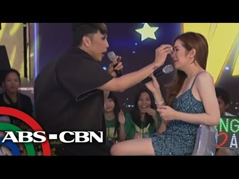 Gandang Gabi Vice: Angeline Quinto breaks into tears on Gandang Gabi Vice.