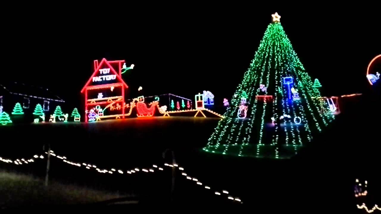 Bechtelsville, PA, Christmas Lights - YouTube