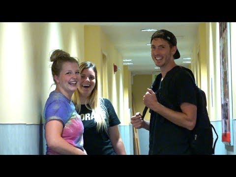 MOVING INTO COLLEGE PRANK!