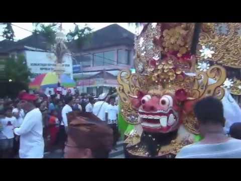 Bali・ウブドの散歩・Barong Ketket Raksasa