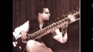 Pt Nikhil Banerjee- Raag Malkauns alap