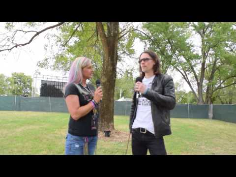 Myles Kennedy of Alter Bridge Interview (Louder Than Life Festival) | The Fuze Magazine
