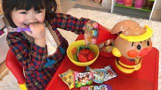 寸劇ごっこ遊び ママに怒られた??大嫌いな野菜をアンパンマンおもちゃ箱でお菓子に変える!Change the vegetables to candy in anpanman toy box