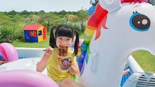 할아버지! 뽀로로 짜장면 떡볶이 같이 먹어요~ Pororo Noodle pretend play with kids toys - 로미유스토리 [Romiyu]