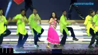 Mallika Sheravath rock the stage at The Vanitha Film awards