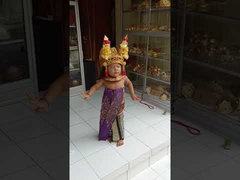 Tari Condong Legong Kraton Bali Githa Nari