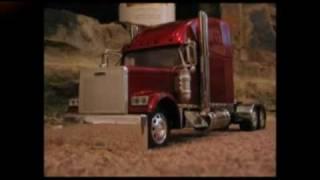 1:32 Scale Custom Trucks - Freightliner