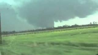 Earle AR May 2, 2008 tornado clip 1