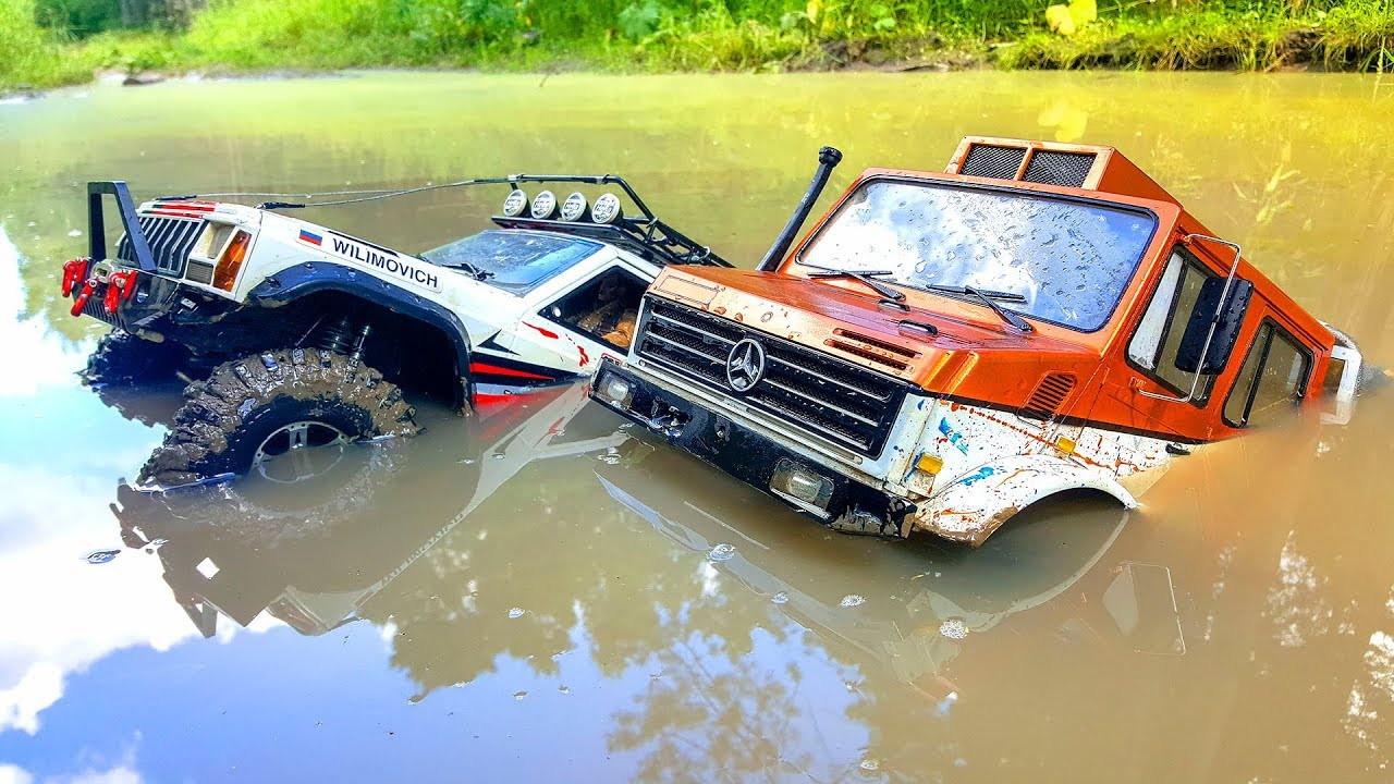 DEEP MUDDY in HOOD TROUBLE Traxxas TRX4 Unimog 4x4 VS Axial SCX10 II Jeep Cherokee | Wilimovich