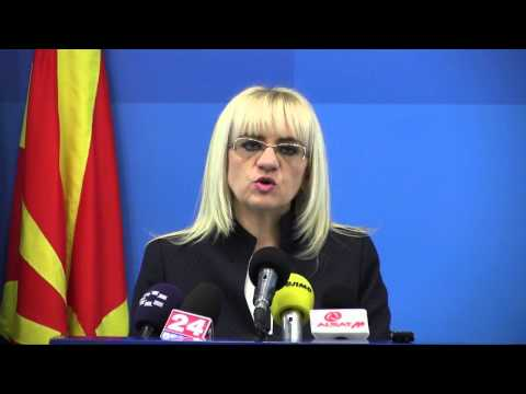 Наместо да се пазарат ВМРО-ДПМНЕ и ДУИ, веднаш ги запра�...