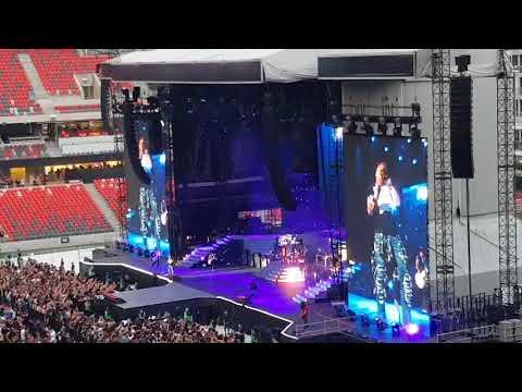 Guns n Roses - Not In This Lifetime Concert Ottawa - Estranged
