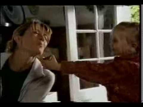 Реклама Kinder Surprise (2002 год)