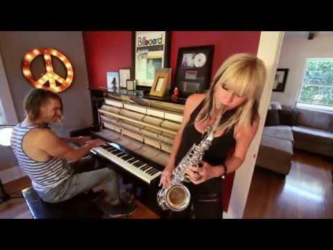 "Mindi Abair & Dave Yaden ""Haute Sauce"" Unplugged"