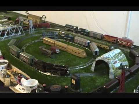 Jeffs O scale toy train layout tour