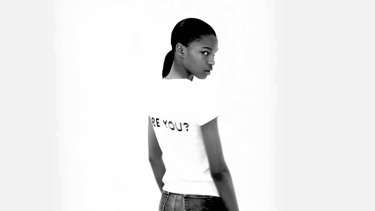 Model: Tsheca White | Sola Rey