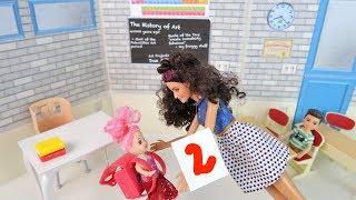 ИЗ-ЗА ТЕБЯ У МАКСИМА ДВОЙКА! Мультик #Барби Куклы Игрушки Для девочек IkuklaTV Школа