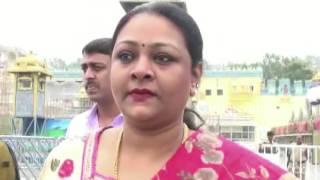 actress shakeela visits tirumala gulte com