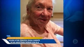jovem ator convida idosa de 89 anos para morar com ele
