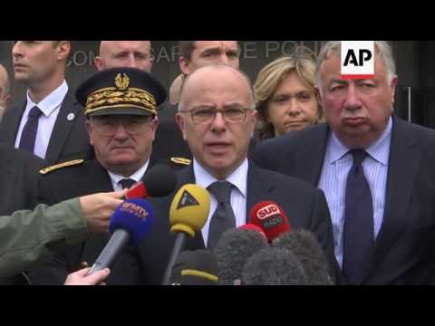 Cazeneuve visits police of attack victim