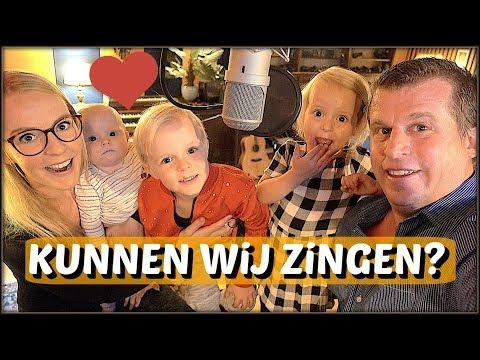 EiGEN SiNGLE OPNEMEN ( in studio!) 🎤😱 | Bellinga Familie Vloggers #1110