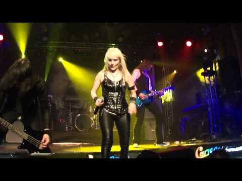 Doro - Wacken Hymne (We Are The Metalheads) (Live in São Paulo 2011)