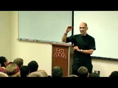Tony Dungy Speaks to Gopher Football Team