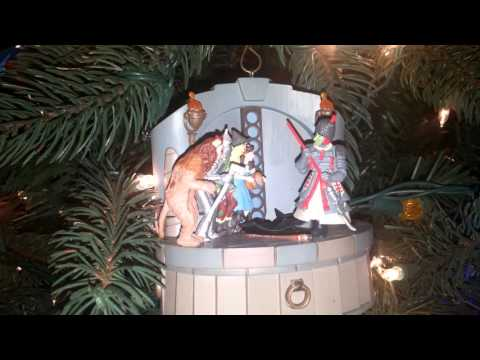 """Hallmark Wizard of Oz """"I'm Melting"""" Ornament in action"""