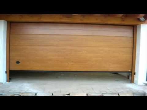 Montaggio di un portone sezionale da garage breda for Hormann sezionali