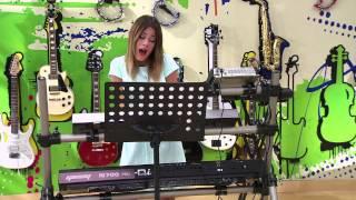 Vilu y diego cantan ¨Hoy somos más¨ | Momento Musical | Violetta