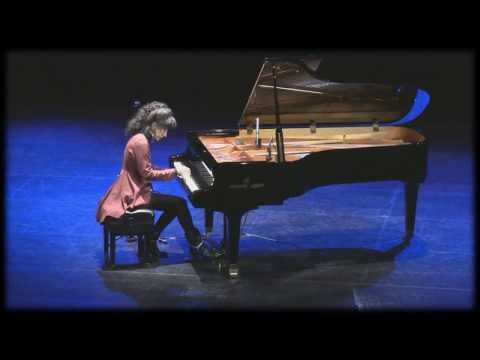 Lisa Downing Performs at Whisperings Concert 2018