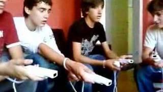 Comment connecter une Wiimote sur une Wii ... euh ... -_-