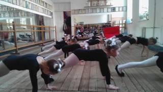 Отчетный урок по акробатике в младшей основной группе. Адель. Одесса. 2017