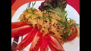 Кабачок, запеченный с помидорами и сыром