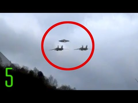 5 Most Mysterious UFO Encounters by Aircraft
