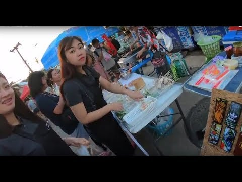 Nakhon phanom walking street  🔴 Asian​ street​ food