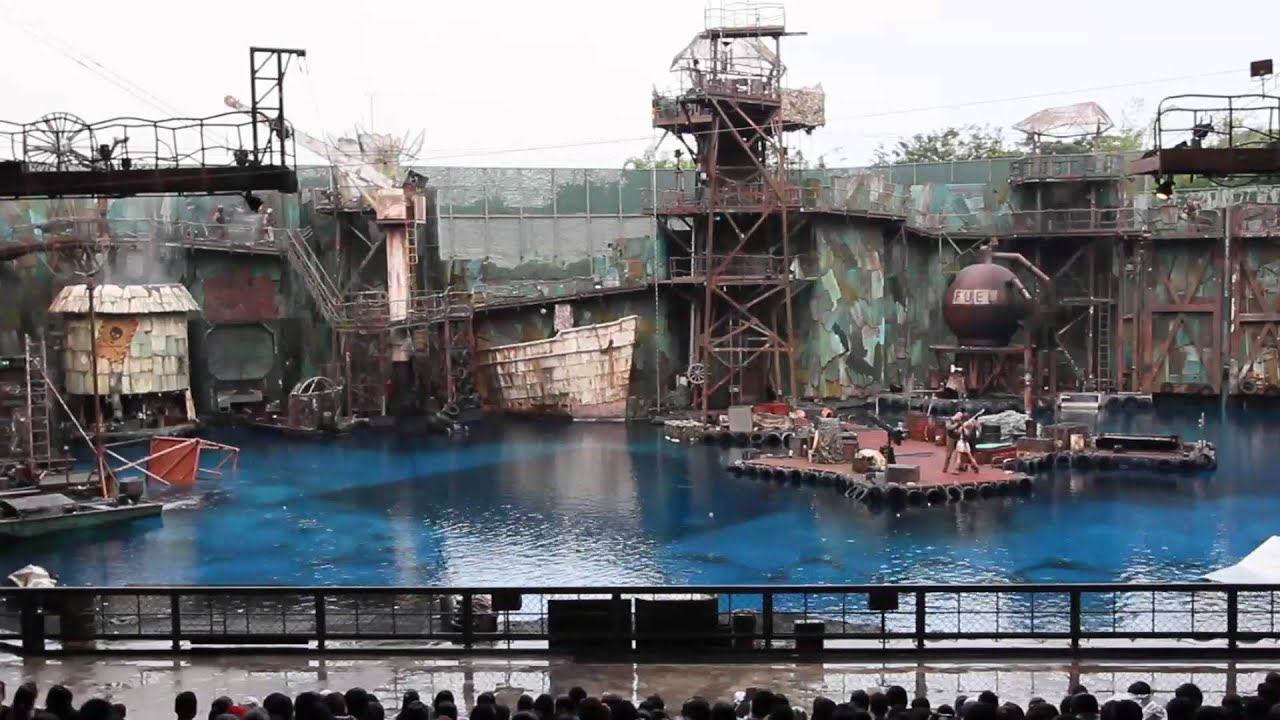 Water World Universal Studios Singapore FULL SHOW - YouTube