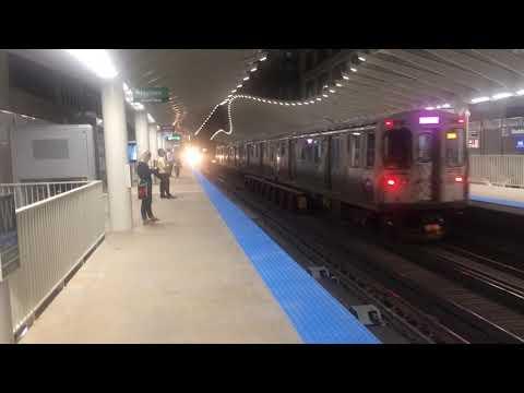 CTA 5000 Series Green Line Train Enters Washington/Wabash