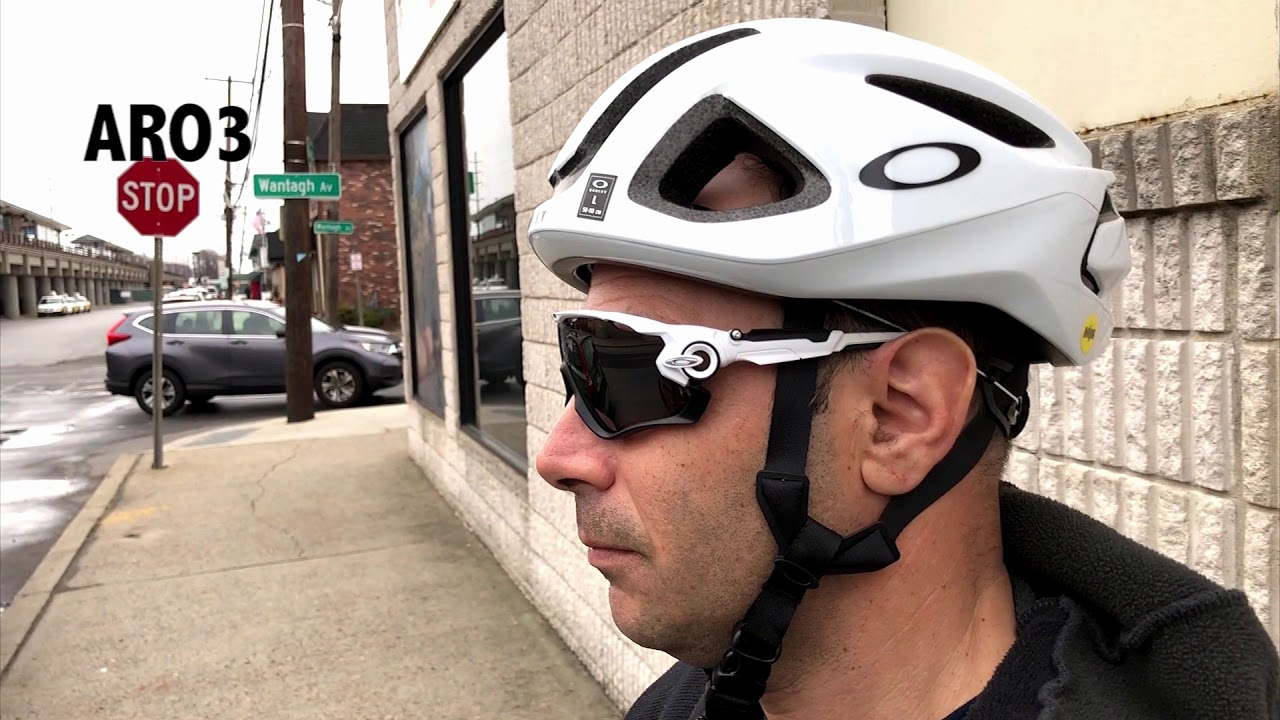 9f0d60f1e8 Oakley ARO 3 5 Helmet Overview - YouTube