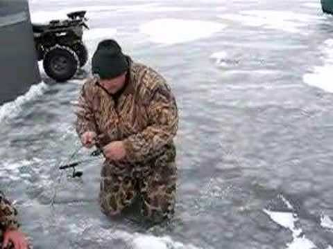 Ice fishing on lake thompson south dakota youtube for Lake thompson sd fishing report