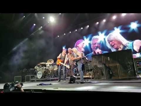 Deep Purple Sometimes I feel like Screaming Part 1 Chicago-Tinley Park 8 22 2018 1ST ROW Live HD S9+