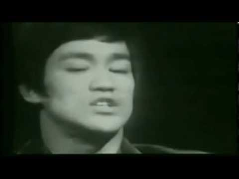 """Bruce Lee: """"I do not believe in styles anymore"""""""