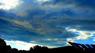 Дождевые Тучи Плывут Низко над Землей. Дождевые Тучи. Футаж Дождевые Тучи. Футажи для видеомонтажа