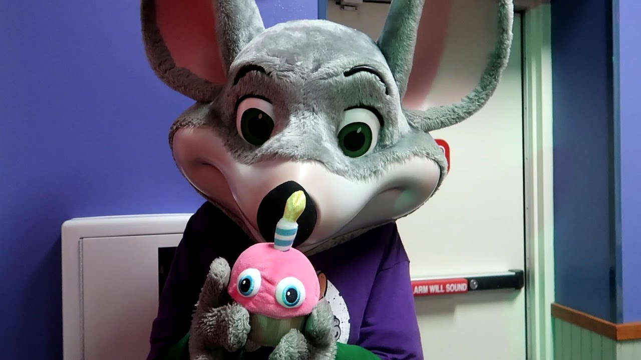 Chuck E Cheese Devoured FIVE NIGHTS AT FREDDYS CUPCAKE YouTube