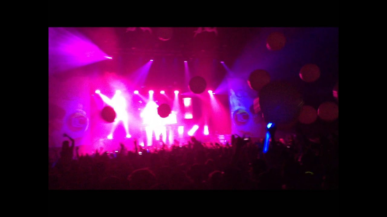 Life in color worlds largest paint party vancouver youtube malvernweather Gallery