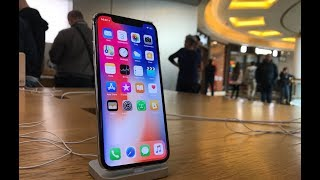 Day One iPhone X: finalmente tornata dall'Apple Store (sempre perplessa)