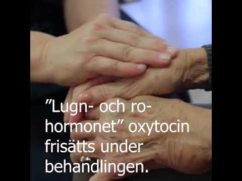 Taktil massage skapar lugn och ro hos den äldre