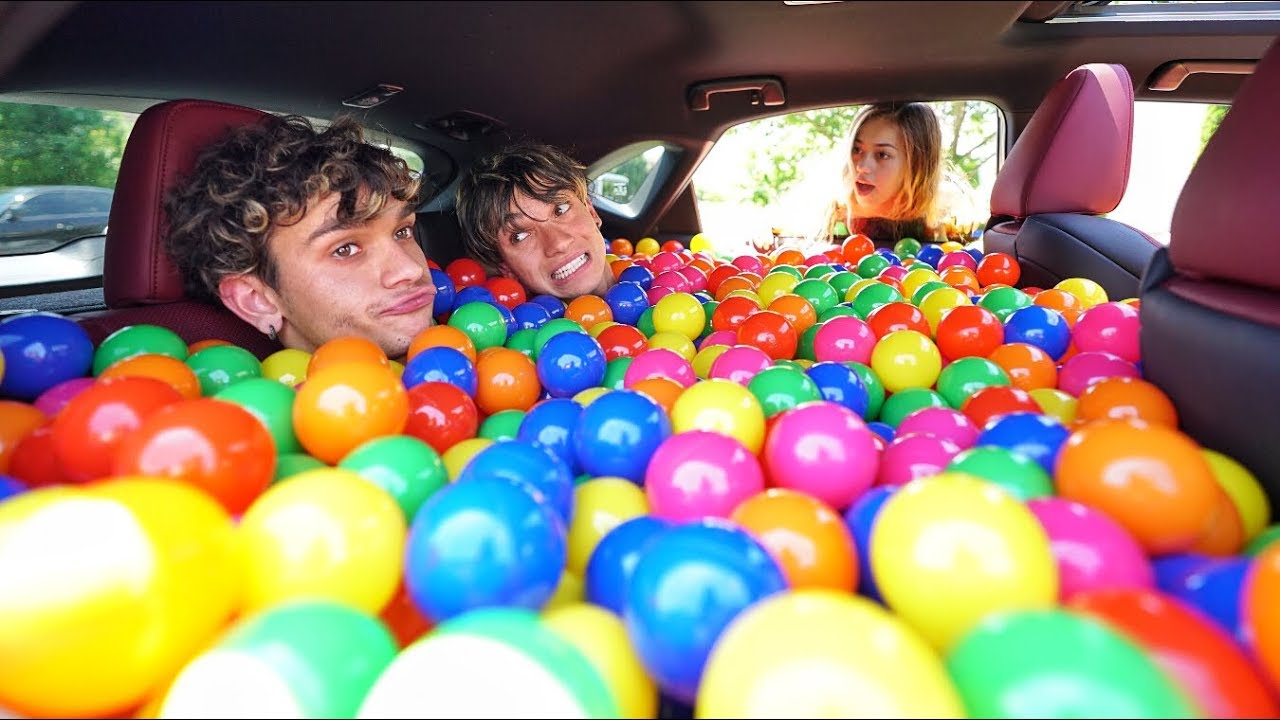 ball-pit-prank-in-my-girlfriend-s-car