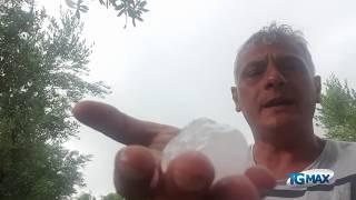 Arance di ghiaccio sul mare dei trabocchi