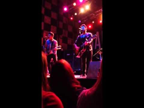 "Dan + Shay ""Close Your Eyes"" 10/9/14 Minneapolis"