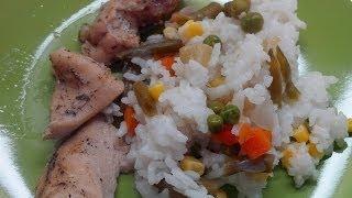 Вкусно и просто: Рис с овощами и куриным филе в пароварке. Видео рецепта.